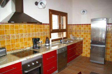 Finca Cas Poble - Küche mit Geschirrspüler