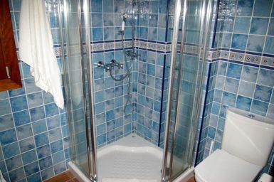 Finca Cas Poble - Dusche im Gäste WC