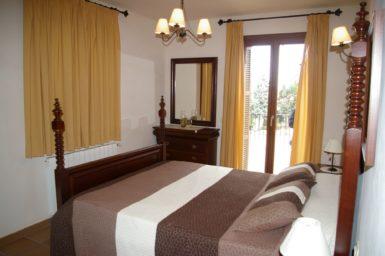 Finca Cas Poble - Schlafzimmer mit Balkon