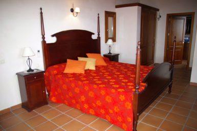 Finca Cas Poble - Schlafzimmer mit Doppelbett