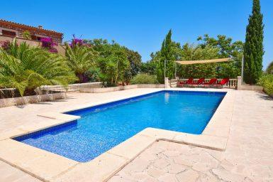 Großer Pool 10x5 Meter