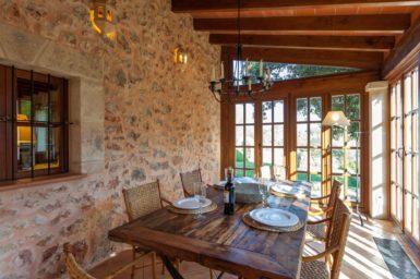 Finca Can Gall - gedeckter Tisch