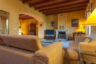Finca Can Gall - Wohnbereich mit Sat-TV