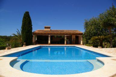 Der große Pool der Finca Can Palleta