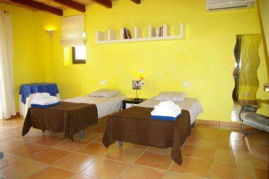 Schlafzimmer im Obergeschoss mit Einzelbetten