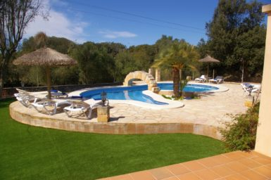 Pool Finca für 8 Personen