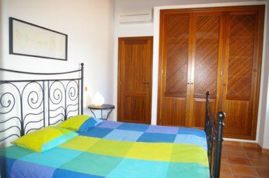 Finca Can Ravell - Schlafzimmer mit Klimaanlage im Obergeschoss
