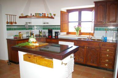 Die Küche der Finca Can Xigala