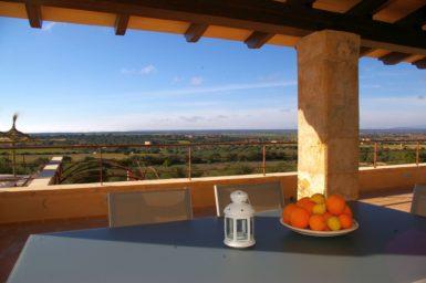 Überdachte Terrasse Finca Cova
