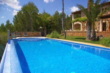 Finca mit großen Pool 12x5 Meter