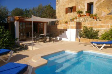 Finca Hortella - Pool mit Treppeneinstieg