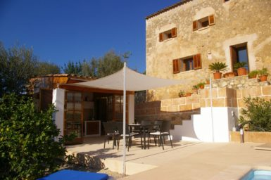 Finca Hortella - Terrasse vor der Außenküche