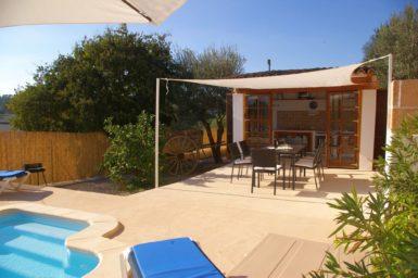 Finca Hortella - Terrasse mit Außenküche