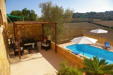 Finca Hortella - Terrasse mit gemütlicher Sitzlounge