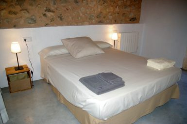 Finca Hortella - Schlafzimmer mit Doppelbett
