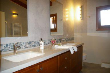 Finca Manolo - Bad mit Doppelwaschbecken
