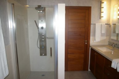 Finca Manolo - große Dusche