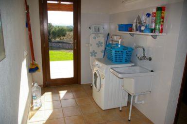 Finca Manolo - Waschraum mit Waschmaschine