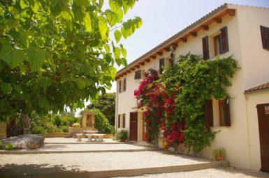 Finca Sa Taulada - Terrasse vorm Haus