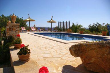 Pool mit Poolterrasse Finca Ses Terrasses