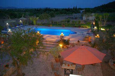 Pool bei Nacht Finca Ses Terrassen
