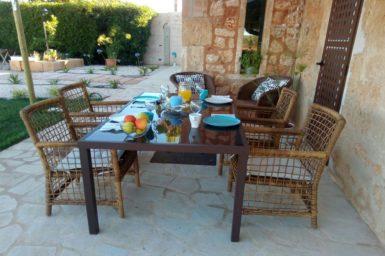 Finca Mallorca Terrasse mit Essplatz