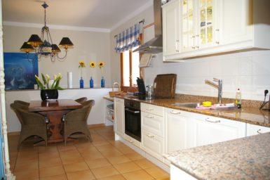 Finca Can Roig - voll ausgestattete Küche