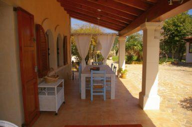 Finca Cas Mungi Vell - überdachte Terrasse