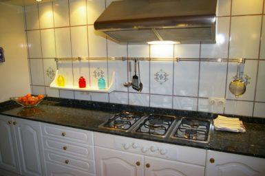 Finca Cas Mungi Vell - Küche mit Gasherd