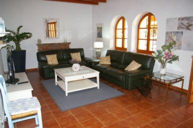 Finca Cas Mungi Vell - gemütliche Sitzecke im Wohnzimmer