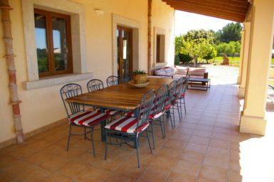 Finca Sa Bassa Seca - Esstisch auf der Terrasse