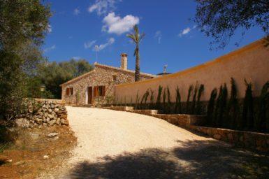Finca Ses Donardes - Auffahrt zum Haus