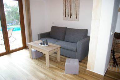 Finca Ses Donardes - Couch im Wohnbereich