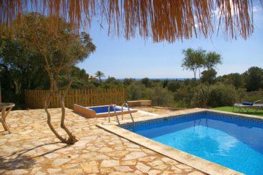 Finca Ses Donardes - Meerblick vom Pool