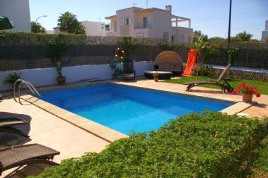 Ferienhaus Hector - Pool im Garten