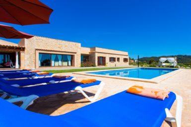 Finca Mallorca mit Meerblick nahe Son Servera