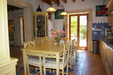Essbereich/Küche mit Zugang auf die Terrasse
