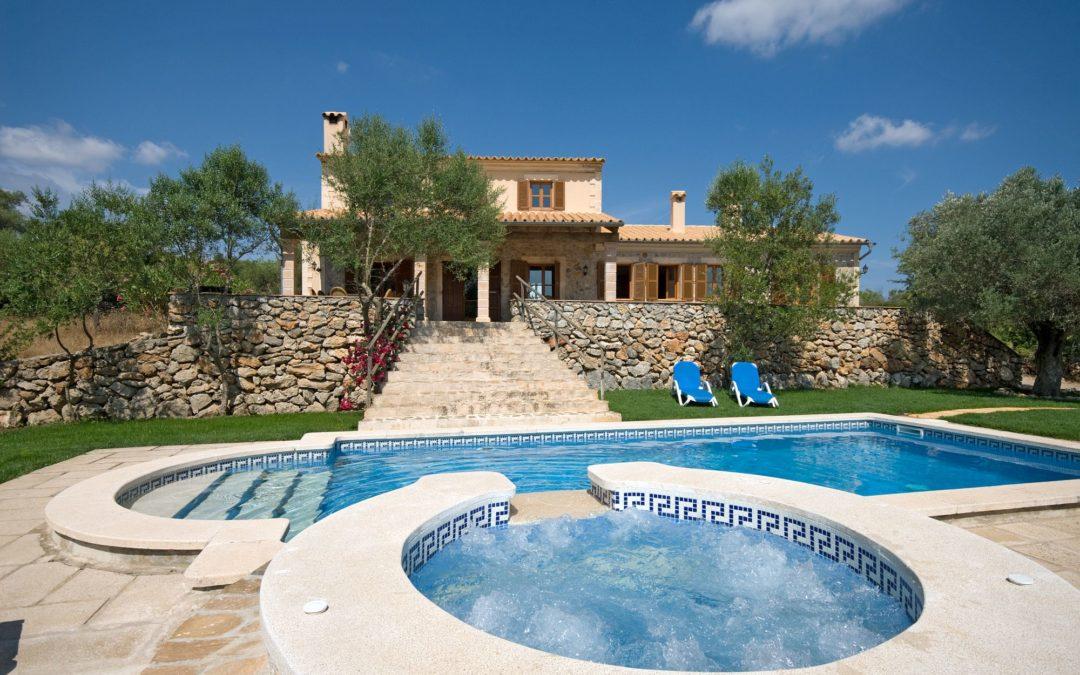 Finca mit Pool und schönen Ausblick