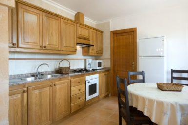Finca Can Biel - Küche mit Essplatz