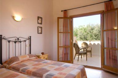 Finca Can Biel - Schlafzimmer mit Balkon