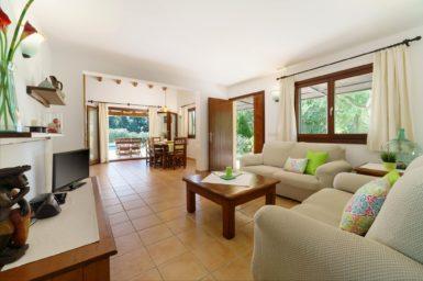 Finca Can Cristet - Wohnbereich mit Sat-TV