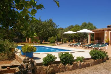Finca Can Pere Juan - Pool mit Poolterrasse
