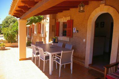 Finca Can Pere Juan - überdachte Terrasse
