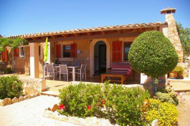 Finca Can Pere Juan - Terrasse mit Außenmöbel