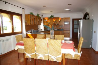 Essbereich mit Küche im Obergeschoss