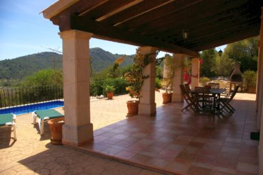 Finca El Cel - überdachte Terrasse mit Meerblick