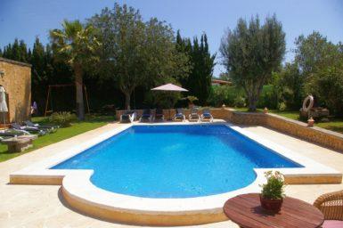 Finca mit großen Pool