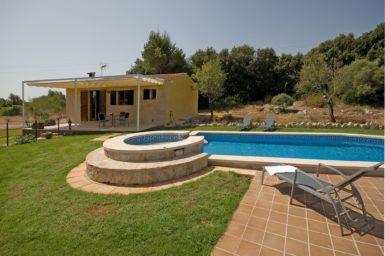 Finca Mallorca nahe Arta zum mieten für 4 Personen