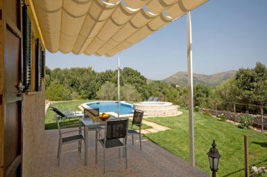 Finca Es Puchet - überdachte Terrasse