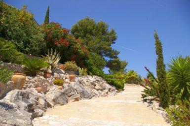 Finca La Roca - parkänliche Gartenanlage